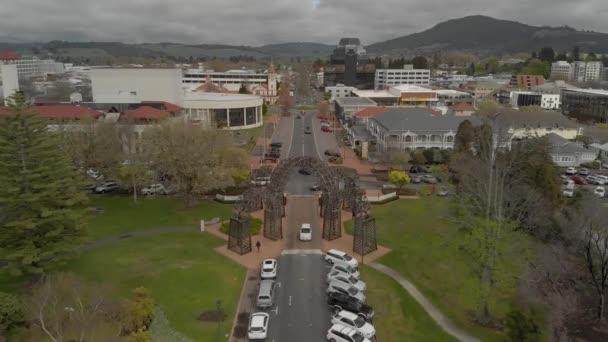 Rotorua város légi felvétel a Government Gardens-ből.