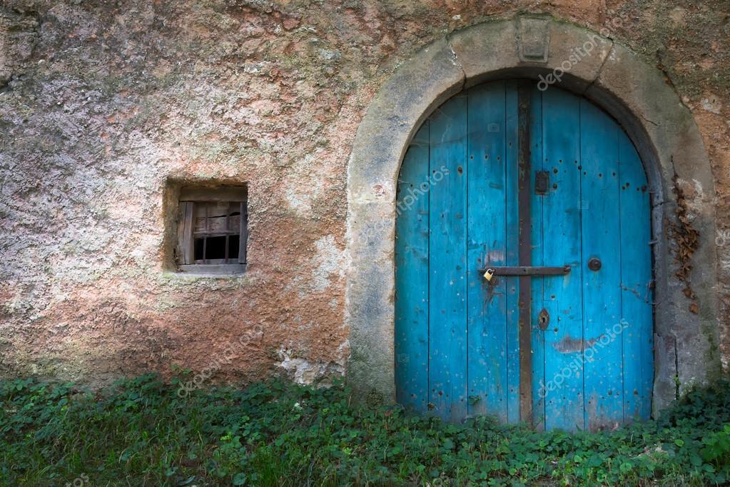 Old wine cellar door \u2014 Stock Photo & old wine cellar door \u2014 Stock Photo © maroti #55732335