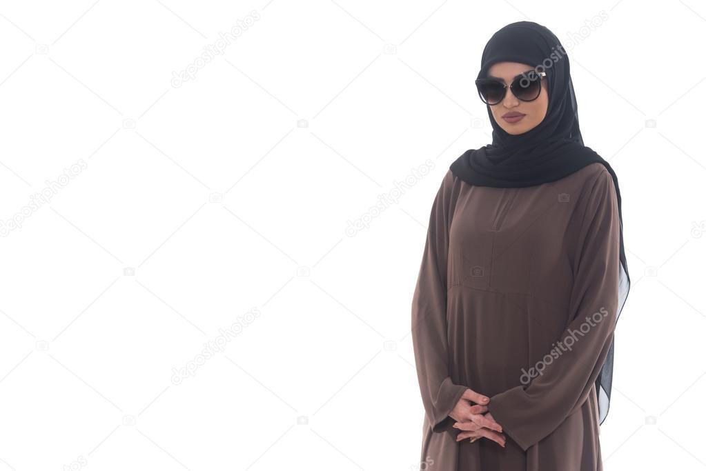 Lunettes Portant De Le Soleil Musulmane Et Hijab Femme WoCxBrde