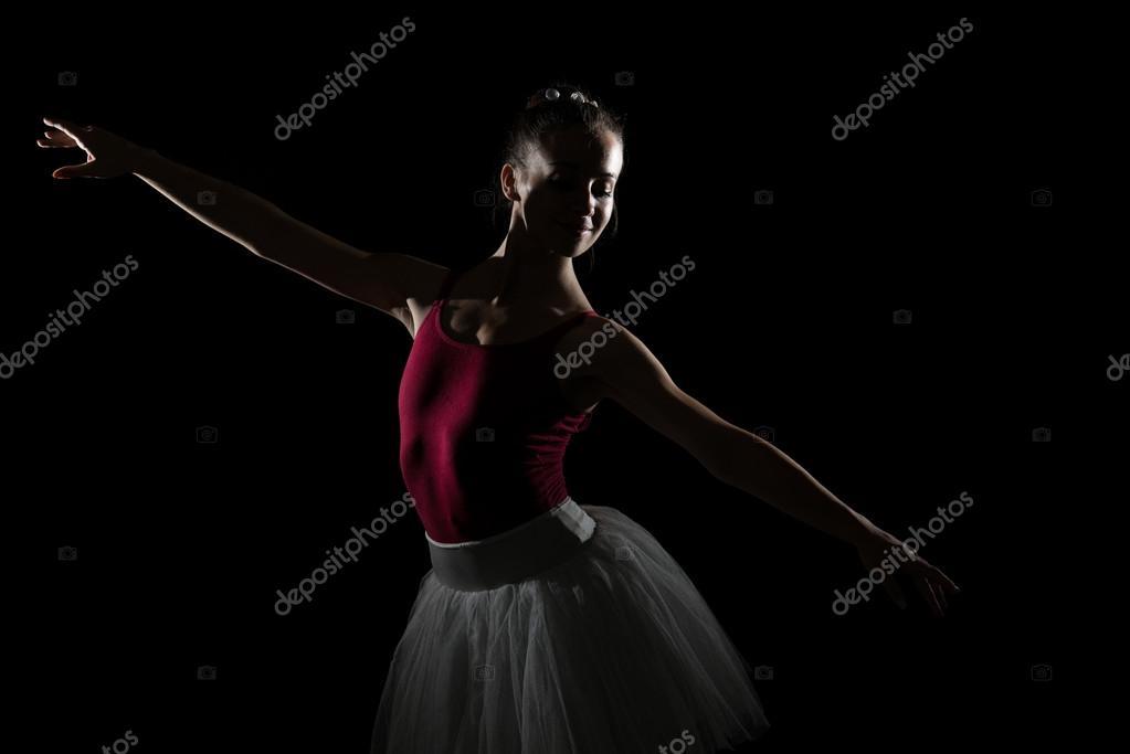 Sagoma Della Ballerina In Studio Nero