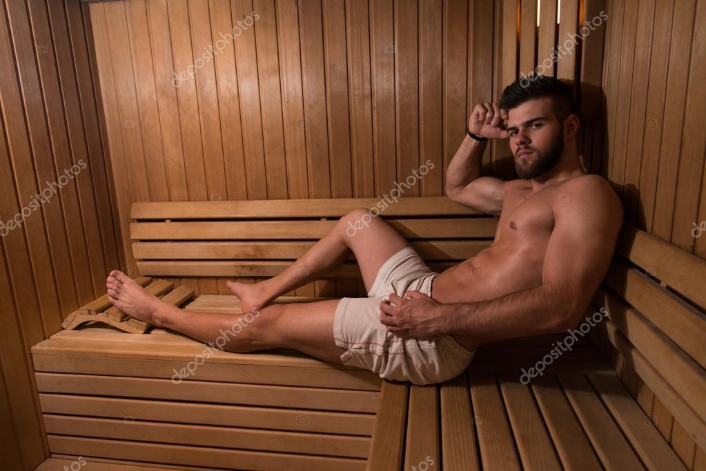 свой парень в сауне