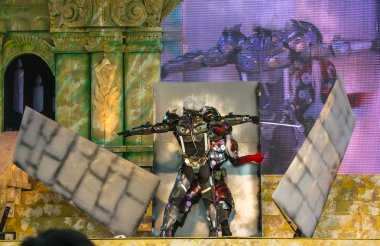 BANGKOK, THAILAND - MAY 25: Metal Gear Rising Revengeance performance on stage using special effects in Oishi World Cosplay Fantastic 7 on May 25, 2013. Metal Gear Rising is a famous video game worldwide.