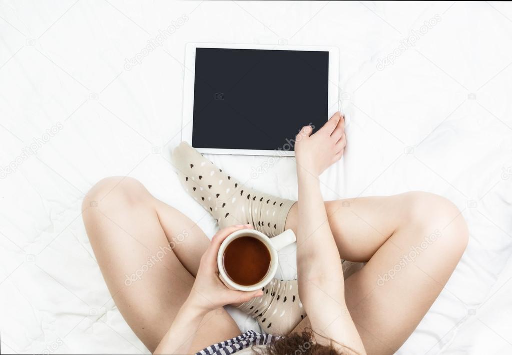 ноги девушек фото в кровати