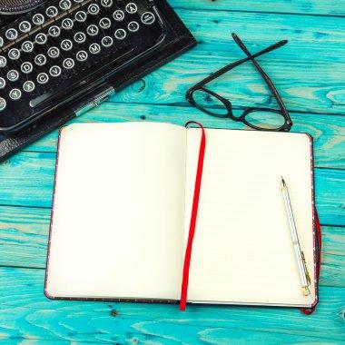 Draft notes writer.