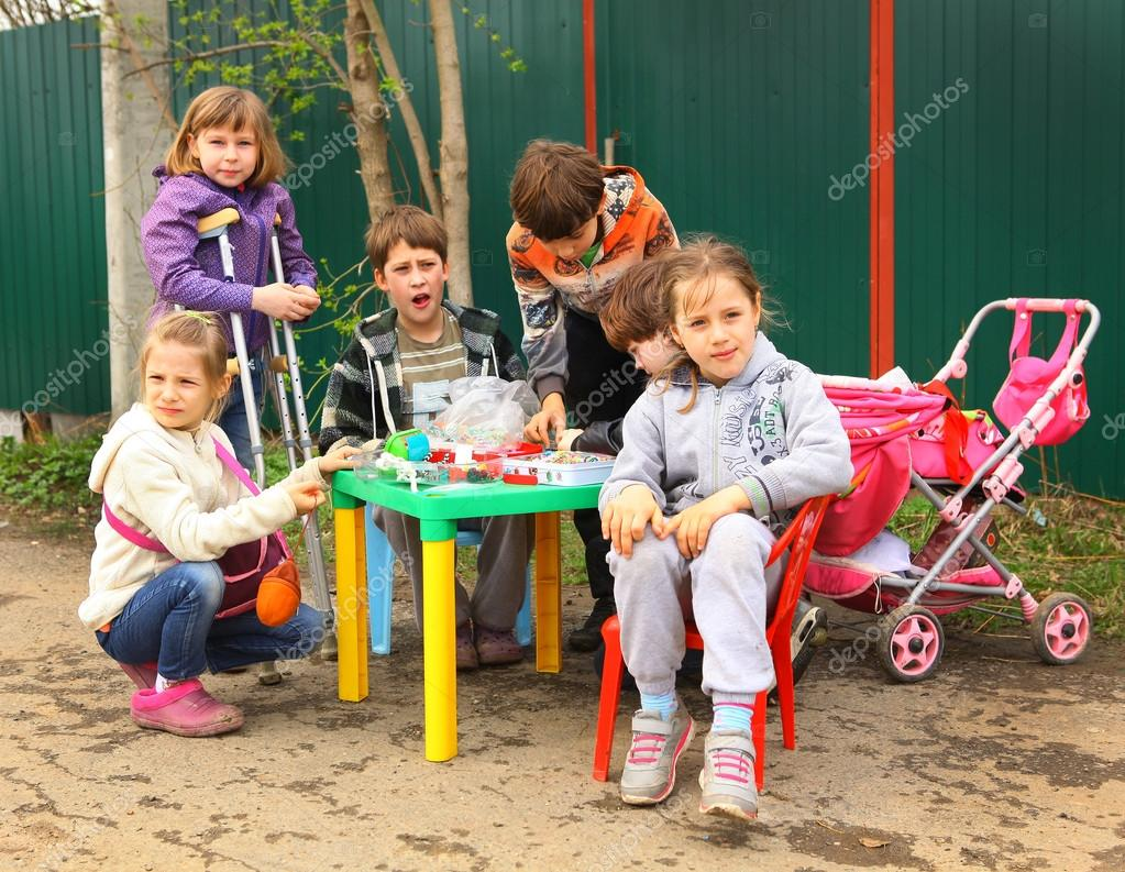 RUSSIA, MOSCOW, MAI 02, 2015: Country children trying to organis