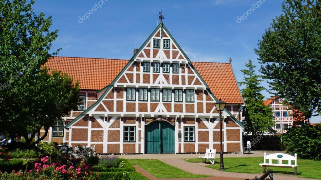 N meck domy stock fotografie chriss73 80248324 - Maison close en allemagne ...