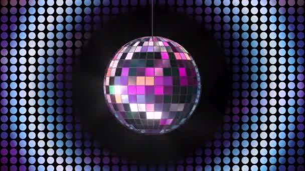 Otočení smyčky lesklé disco koule s neonovým světlem na pozadí, 3D vykreslování.
