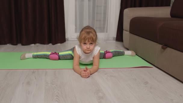 Gyerek gyerek edzés torna nyújtózsinór otthon, gyerekek lány, hogy sport edzés gyakorlatok