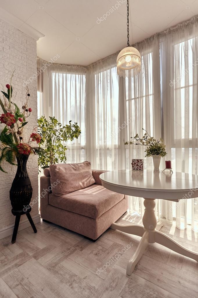 woonkamer met een mooi interieur — Stockfoto © OxanaS #113956300