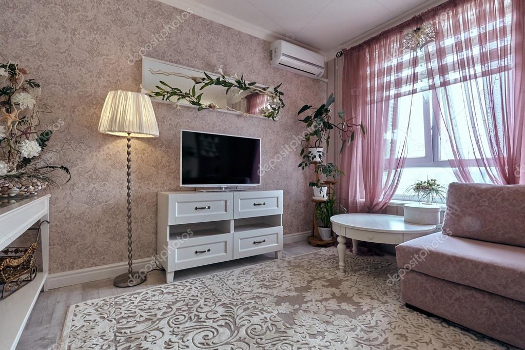 woonkamer met een mooi interieur — Stockfoto © OxanaS #113958658