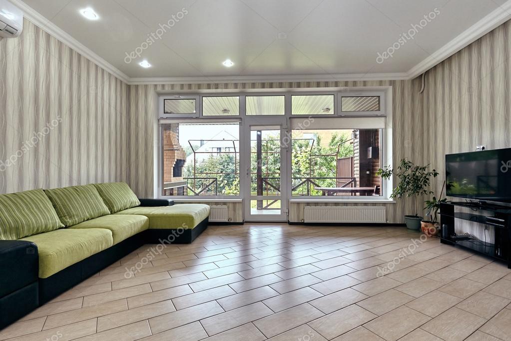 woonkamer met een mooi interieur — Stockfoto © OxanaS #114529196