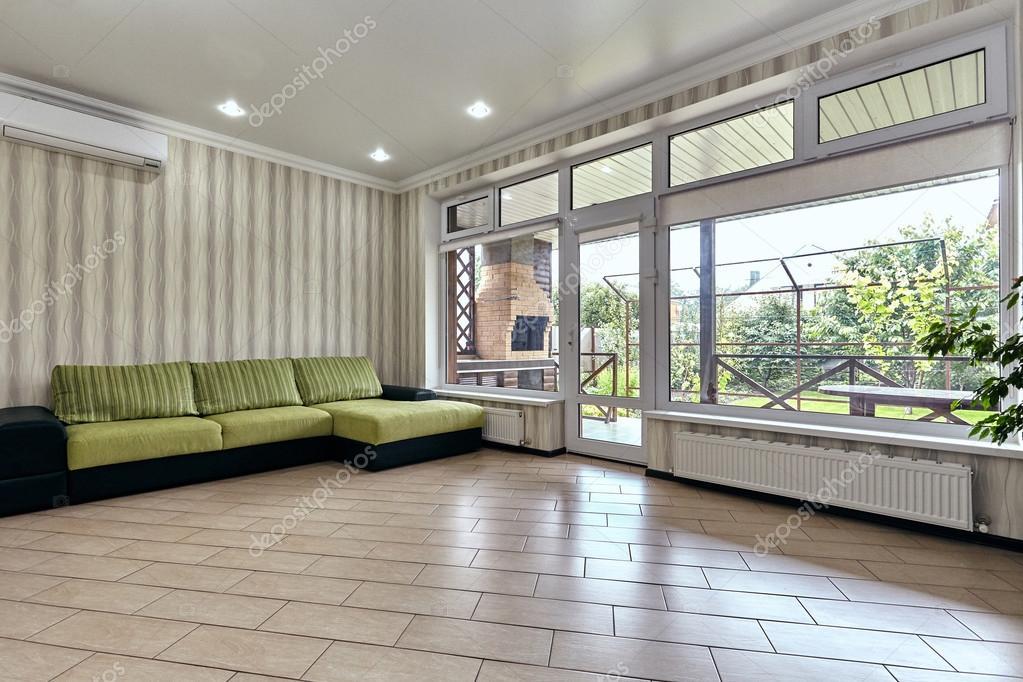 woonkamer met een mooi interieur — Stockfoto © OxanaS #114529304