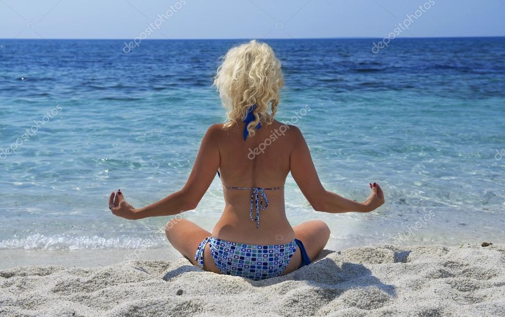 Девушки на пляже. Фото самых 79
