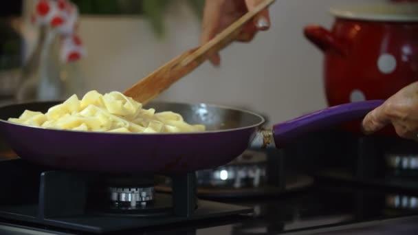 Vařič míchání těstoviny