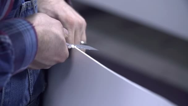 Cutting wooden element with olfa blade