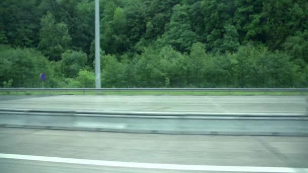 jízdě na dálnici s žádná vozidla