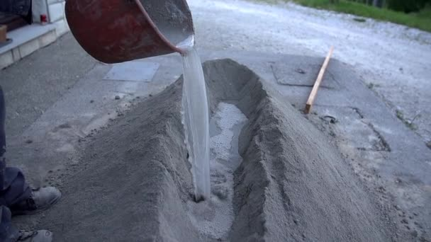 Člověk začít připravovat materiál pro stavební