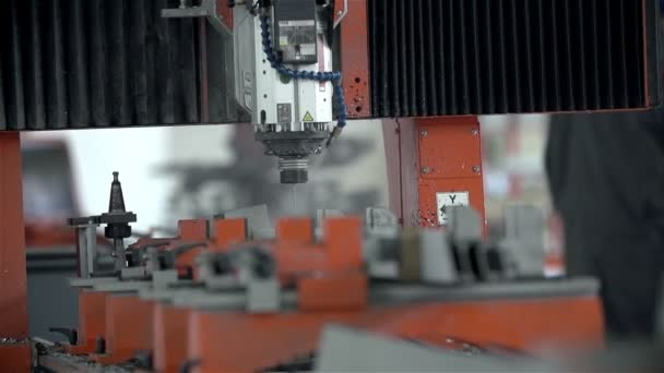 Drilling holes in slow motion