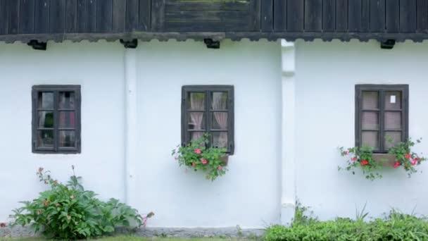 Historický dům s dřevěná okna