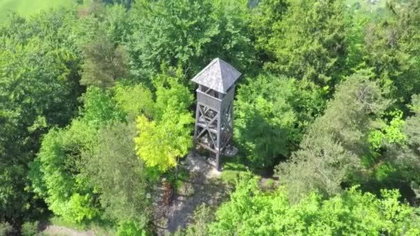 fából készült vadászat torony