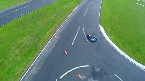 Jdi karta race mnohoúhelník se asfaltové hřiště