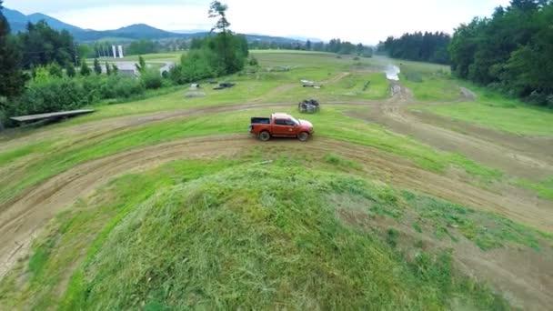 off road samozřejmě s ovladačem na krajinu