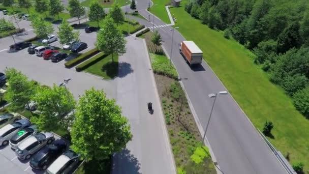 Motocykl jízda na parkovišti