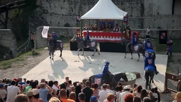 Festival mit Reenactment der Ritter