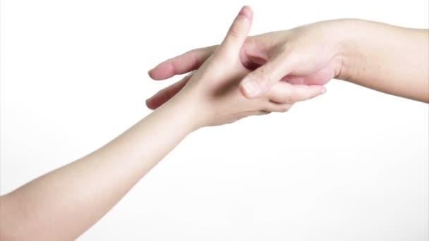 Starý a mladý si ruce