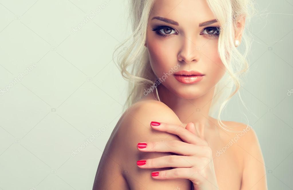 models Beautiful blonde