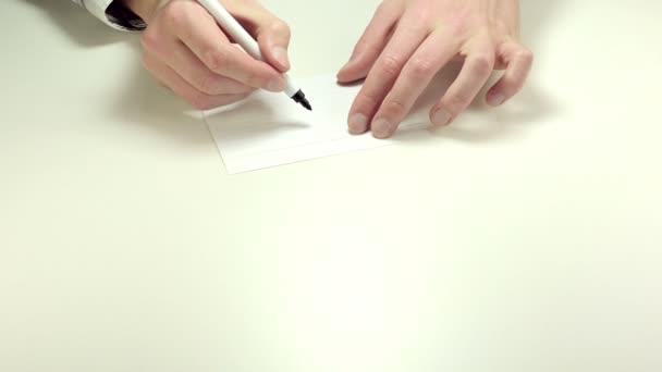 Otazník psaní na papír