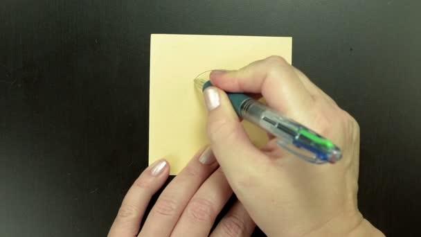 Kresba na papír smajlík překvapení