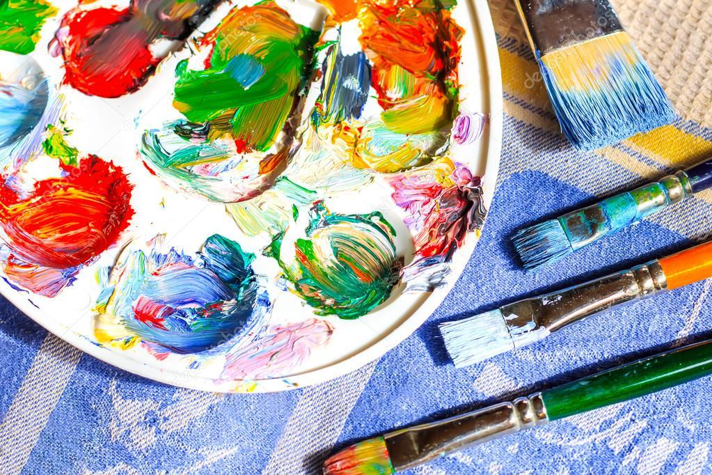 Peinture l huile diff rents types de pinceaux et for Different type de peinture