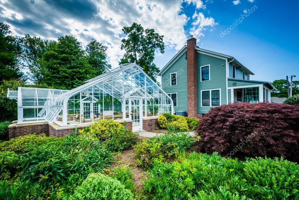 Gewächshaus und Haus im Elizabeth Park in Hartford, Connecticut ...