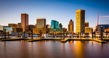 Long exposure of docks and the skyline at the Inner Harbor in Ba