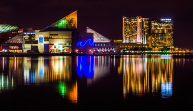 The Legg Mason Building and National Aquarium at night, in the I