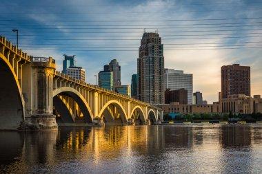 Evening light on the Central Avenue Bridge and Minneapolis skyli