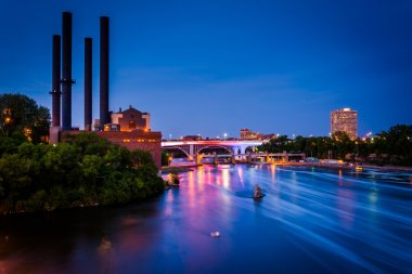 View of the Mississippi River from the Stone Arch Bridge at nigh