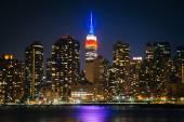 Pohled na Empire State Building od státu Park Gantry Plaza