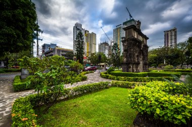 Gardens and the Arch of The Centuries at University of Santo Tom