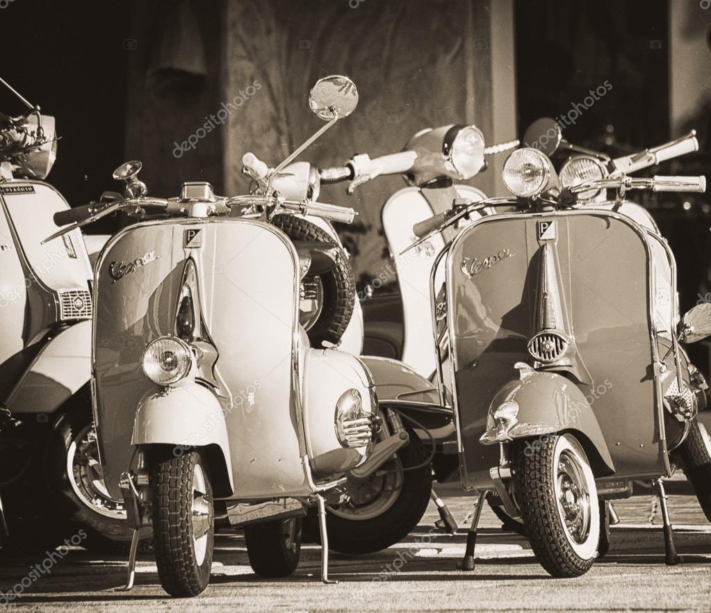 Vespa E Lambretta Vintage Foto Editoriale Stock C Massimocampa