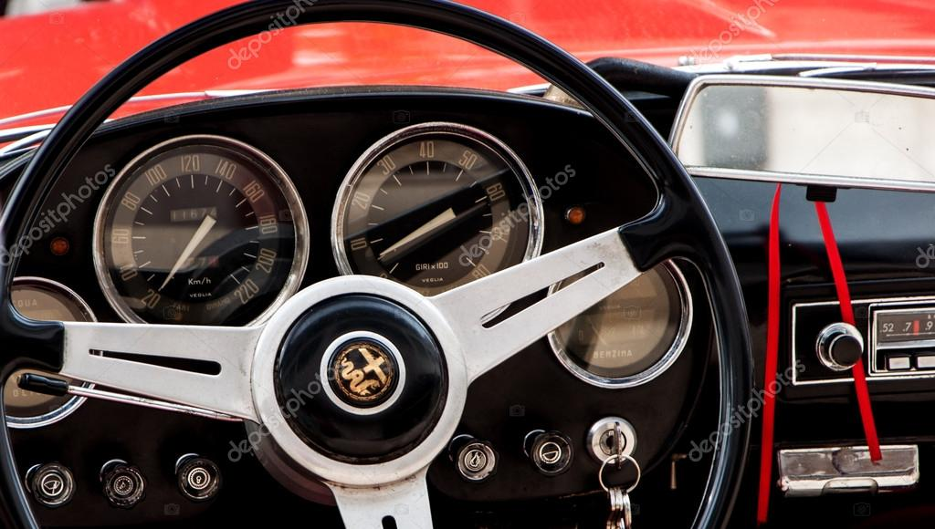 detail old car steering wheel alfa romeo – stock editorial photo
