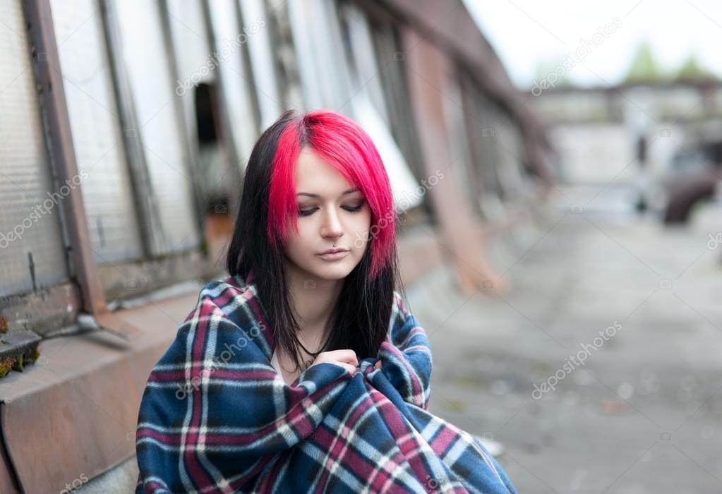 foto-emo-devushek-blondinka-i-bryunetka-devushek-golfah