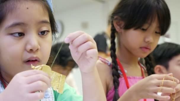 4k Asiatische Kinder Lernen Falten Japanische Papier Origami Kunst
