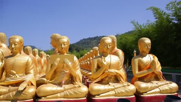 Arany Buddha a Buddha emlékpark, Nakhorn nayok, Thaiföld,
