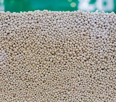 Fertilizer granules