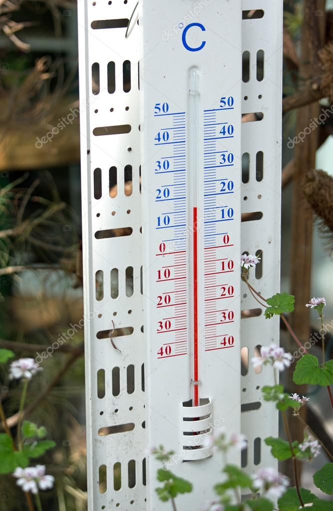 Thermometer Showing 16 Degrees Celsius Stock Photo