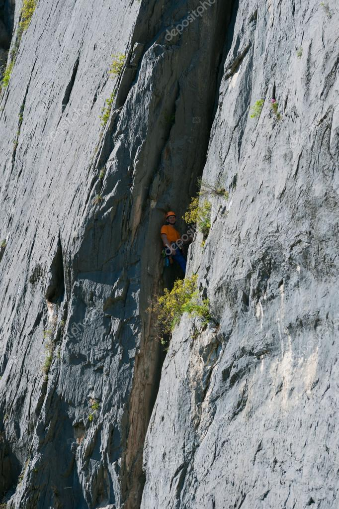 A rock climber takes complex mashrut
