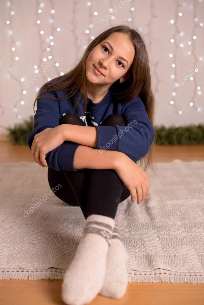 pics-young-girls-in-white-socks-teen