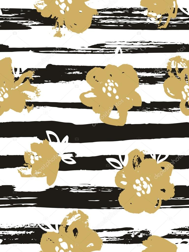 Seamless pattern with gold flowers